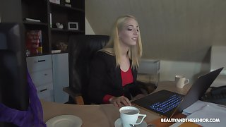Naughty blonde secretary Liz Rainbow takes off her panties be expeditious for a fuck